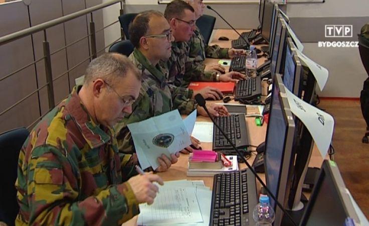 W JFTC odpieraja ataki, jak na wojnie