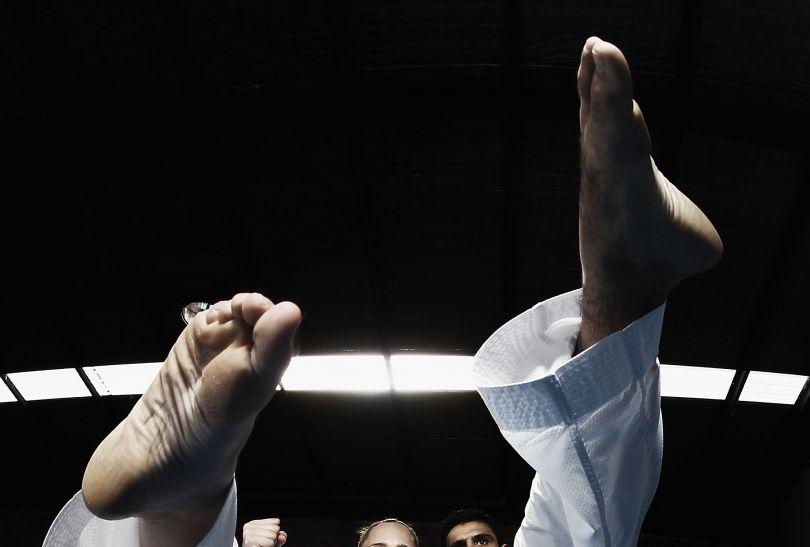 Celem zawodników taekwondo jest trafienie przeciwnika w specjalne, punktowane strefy (fot. Getty Images)