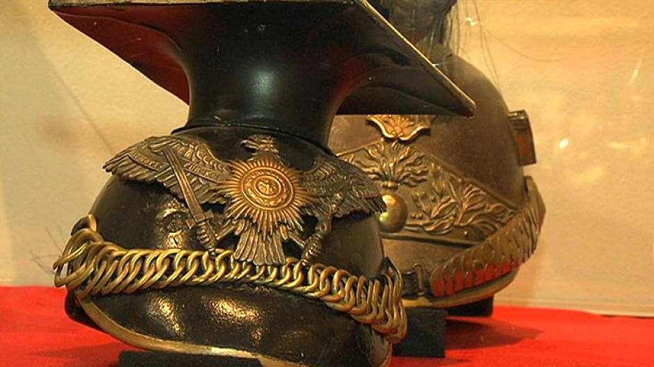 2. Wystawa hełmów, czapek i mundurów wojskowych z całego świata
