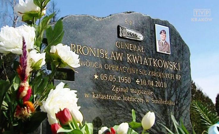 Grób generała Kwiatkowskiego na cmentarzu Salwatorskim w Krakowie