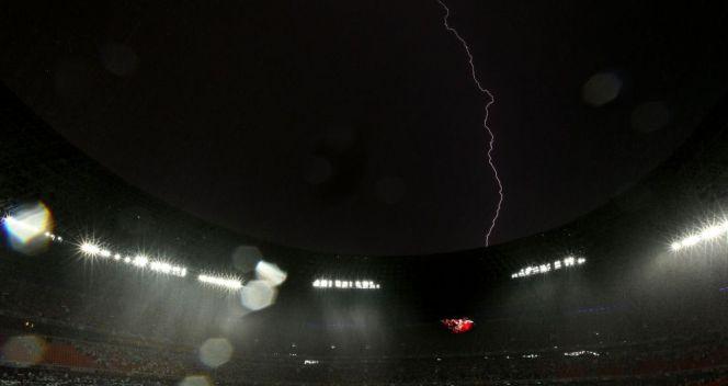 Piorunujący mecz! Spotkanie Ukrainy z Francją na godzinę przerwała szalejąca burza (fot. Getty Images)