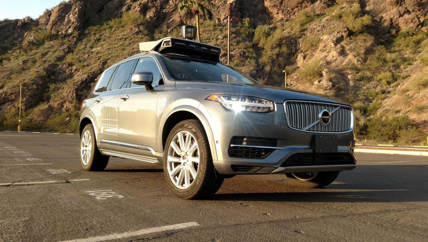 Po wypadku w USA zawieszono testy autonomicznych samochodów (fot. PAP/EPA/UBER HANDOUT)