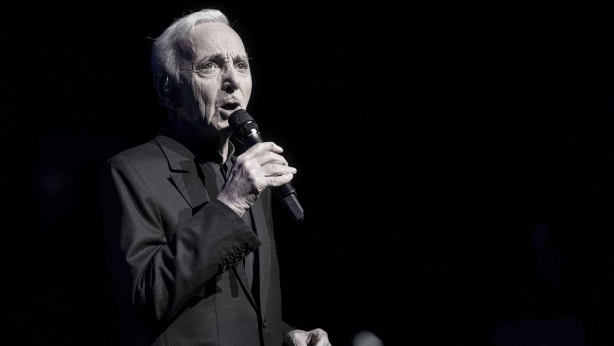 1 października Francja pogrążyła się w żałobie po śmierci Charlesa Aznavoura, wybitnego piosenkarza i kompozytora (fot. PAP)