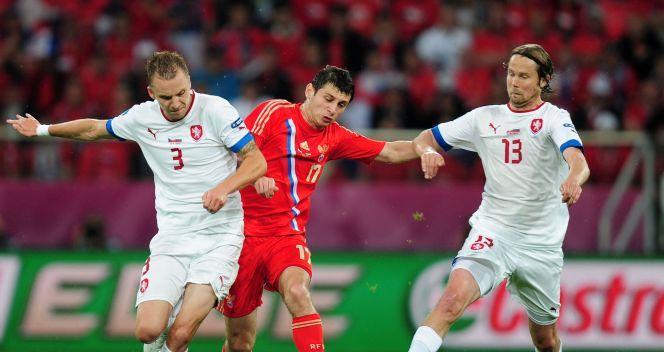 W pierwszej połowie meczu Czesi nie mieli pomysłu na zatrzymanie Ałana Dżagojewa (fot. Getty Images)