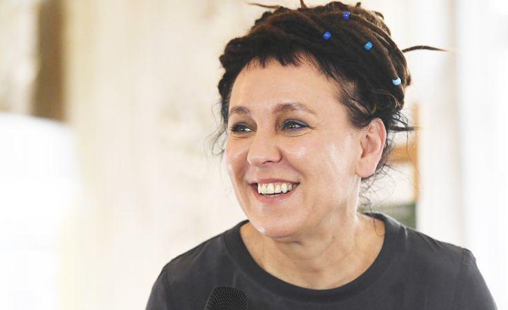 """Olga Tokarczuk została wyróżniona za powieść """"Bieguni"""" (fot. PAP/Jacek Bednarczyk)"""