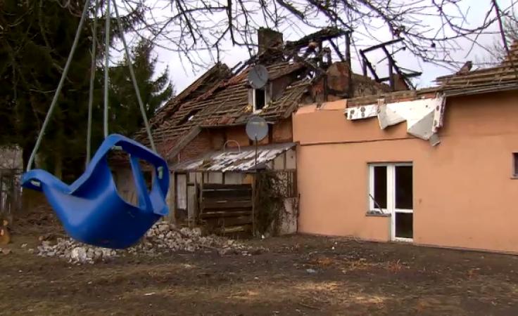 Z pomocą pogorzelcom. Spłonął dom, w którym mieszkało kilka rodzin