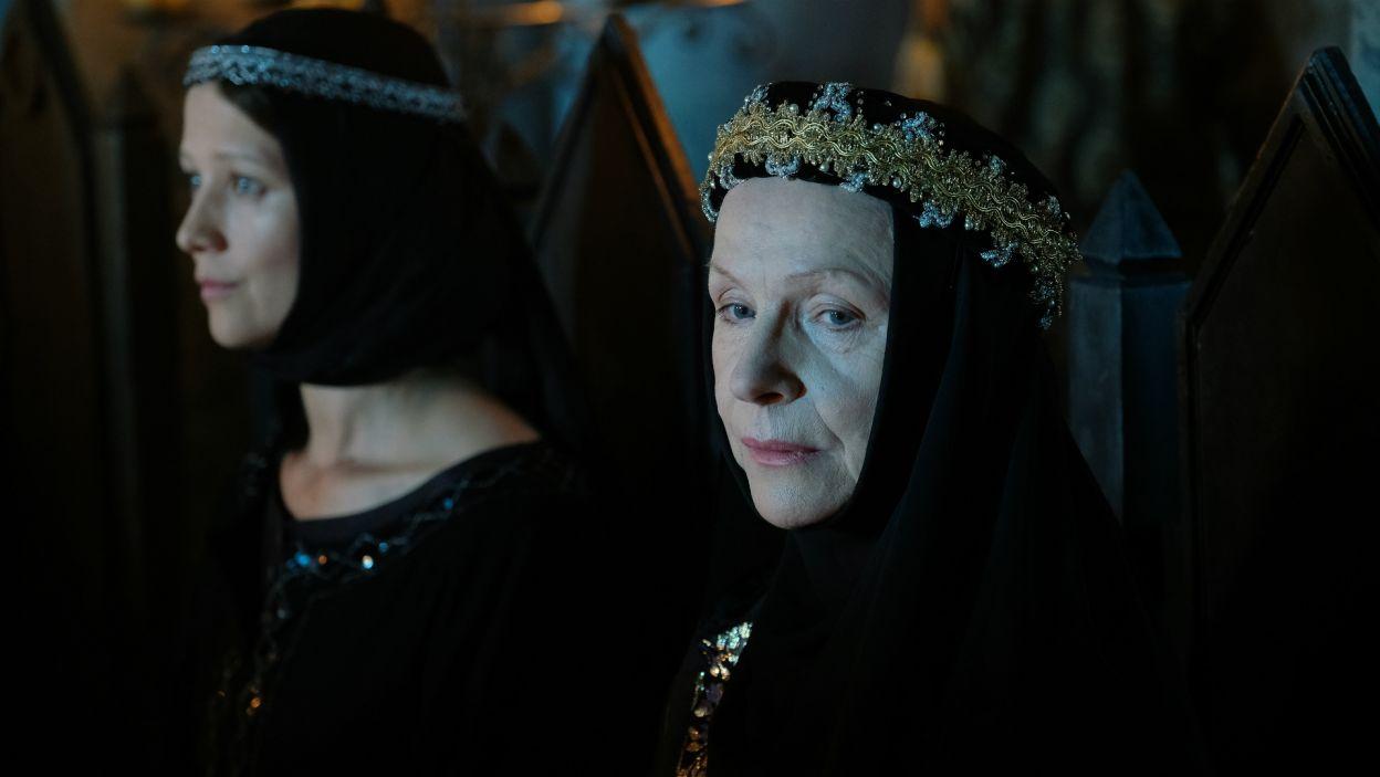 Jadwiga za wszelką cenę próbuje nie dopuścić do koronacji Anny (fot. TVP)