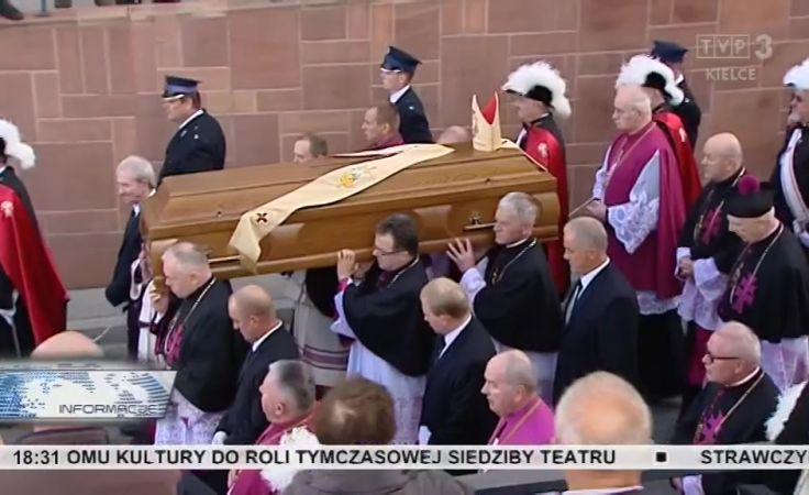 TVP3 Kielce – relacja z ostatnie drogi biskupa Ryczana