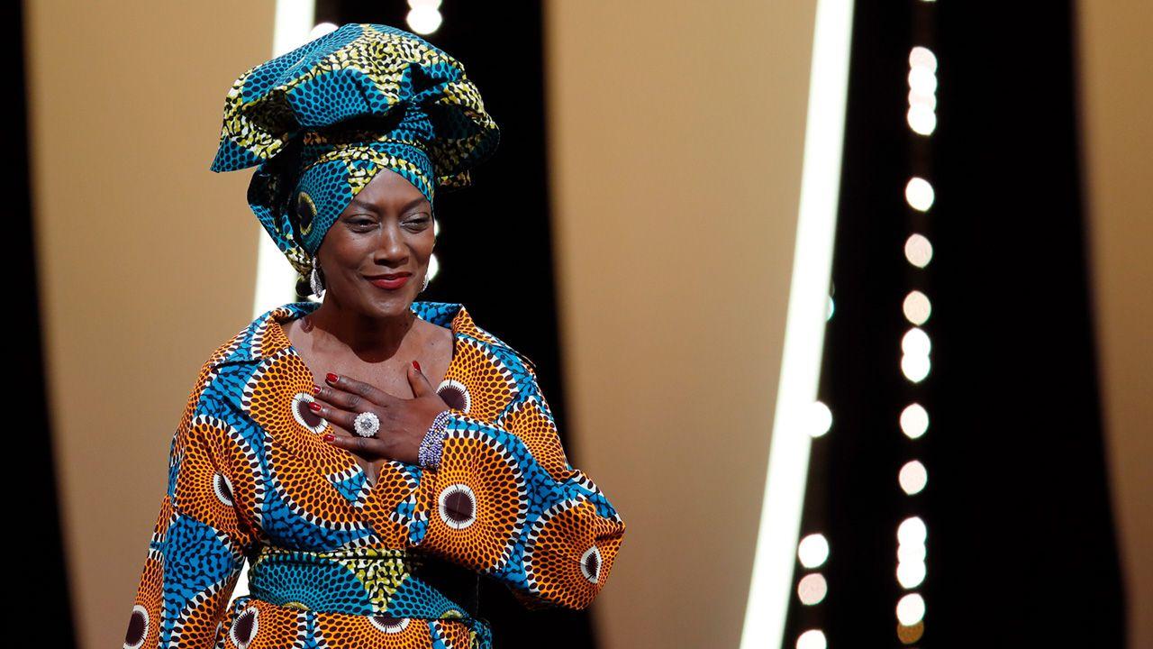 Burundyjska piosenkarka i członek jury Khadja Nin uczestniczy w ceremonii otwarcia 71. corocznego Festiwalu Filmowego w Cannes(fot. PAP/EPA/FRANCK ROBICHON)