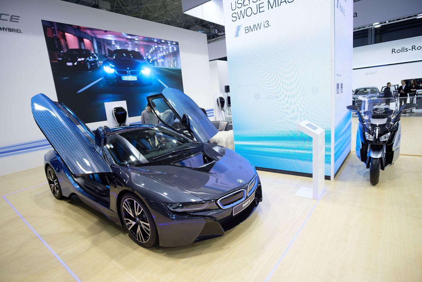 BMW i8 (fot. arch.PAP/Jakub Kaczmarczyk)