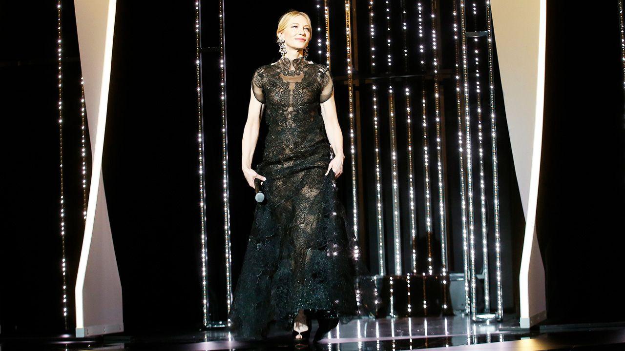 Przewodnicząca jury, australijska aktorka Cate Blanchett podczas konferencji prasowej Jury podczas 71. corocznego Festiwalu Filmowego w Cannes (fot. PAP/EPA/SEBASTIEN NOGIER)
