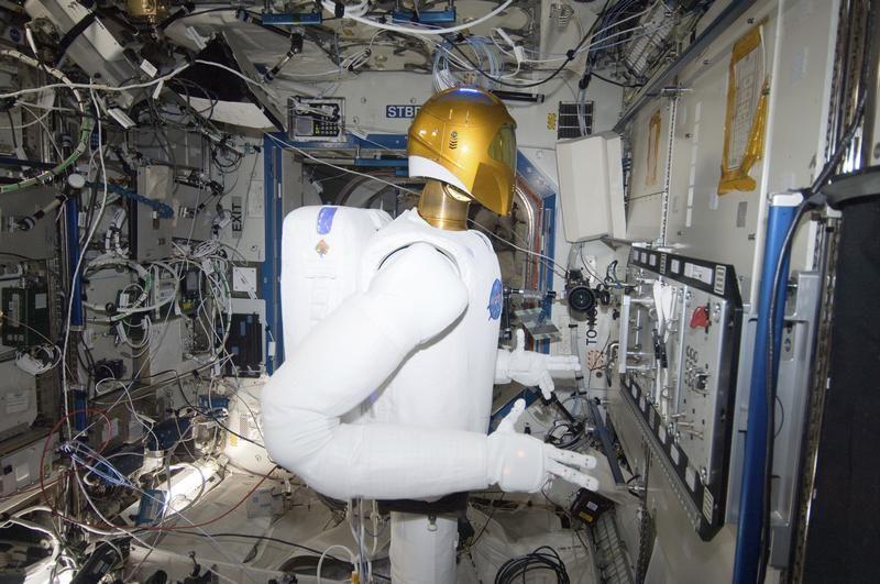 Robonaut 2, pierwszy kosmiczny robot humanoidalny (fot. REUTER/NASA/Handout)