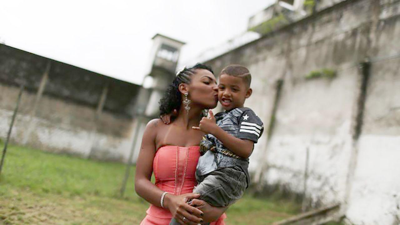 Więzniarka Talavera Bruce w Rio de Janerio (fot.  REUTERS/Pilar Olivares)