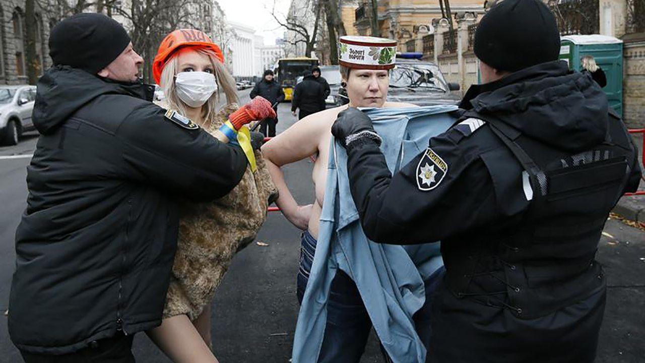 Protesty na Ukrainie (fot. REUTERS/Valentyn Ogirenko)