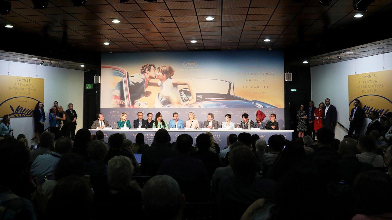 Członkowie jury biorą udział w konferencji prasowej podczas 71. corocznego Festiwalu Filmowego w Cannes (fot. PAP/EPA/Tristan Fewings / POOL)