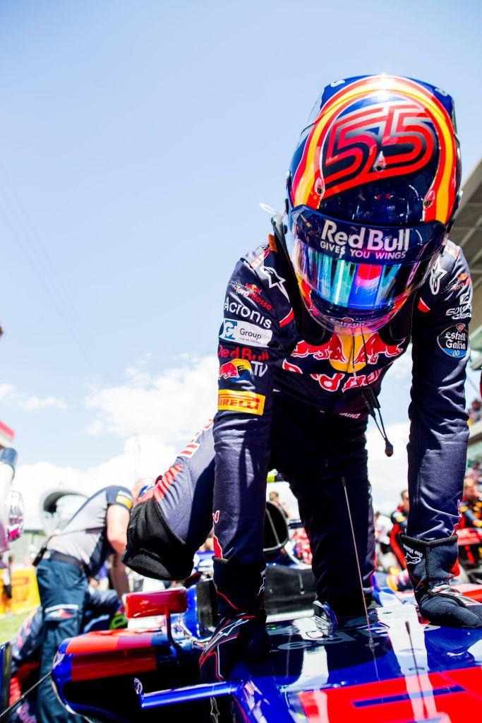 Carlos Sainz z Scuderia Toro Rosso (fot. Peter Fox/Getty Images)