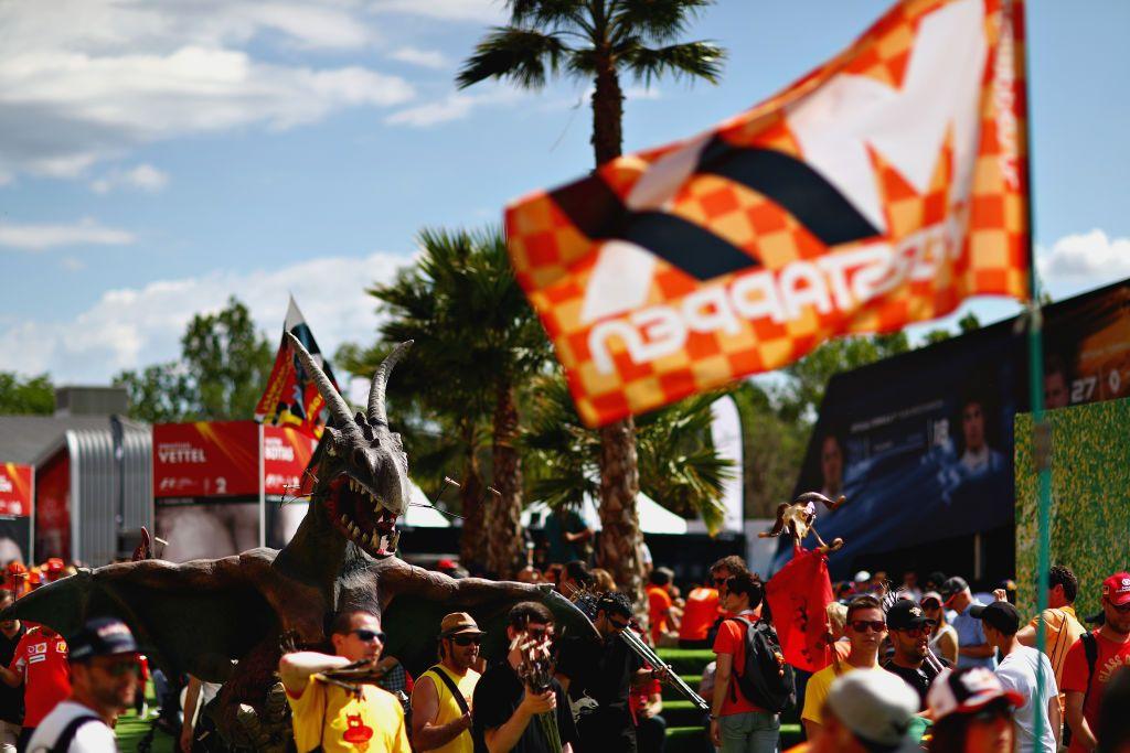 Fani przed wyścigiem (fot. Dan Istitene/Getty Images)