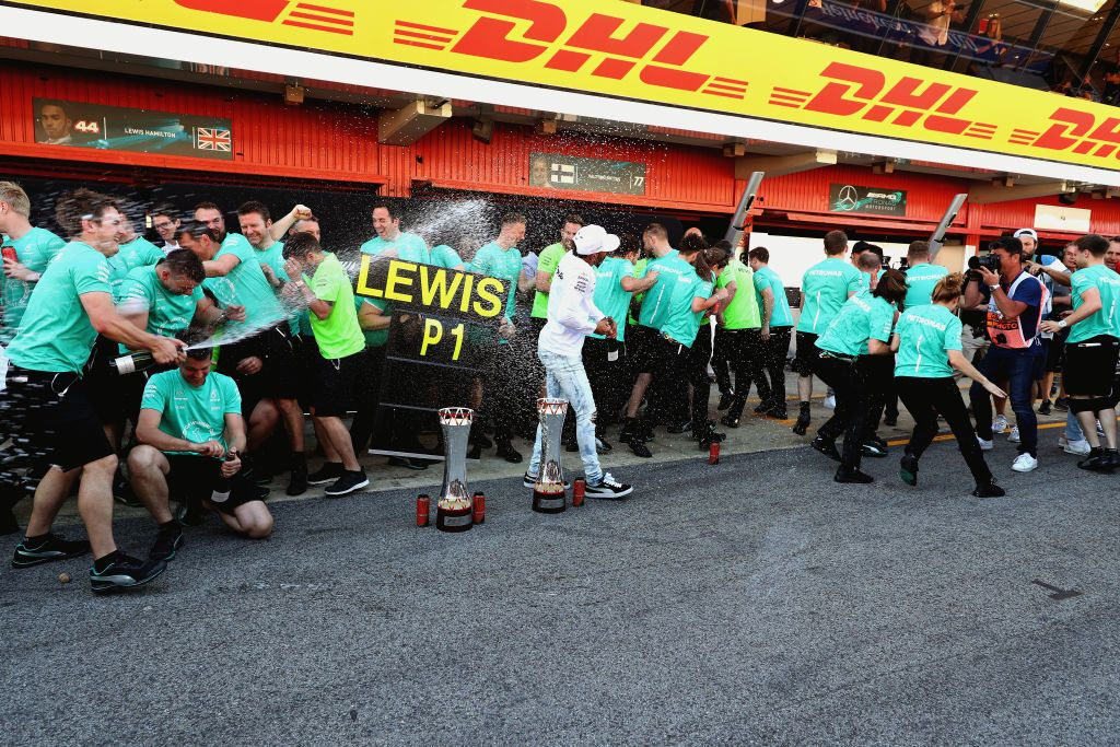 Wygrana ekipa Lewisa Hamiltona (fot. Mark Thompson/Getty Images)