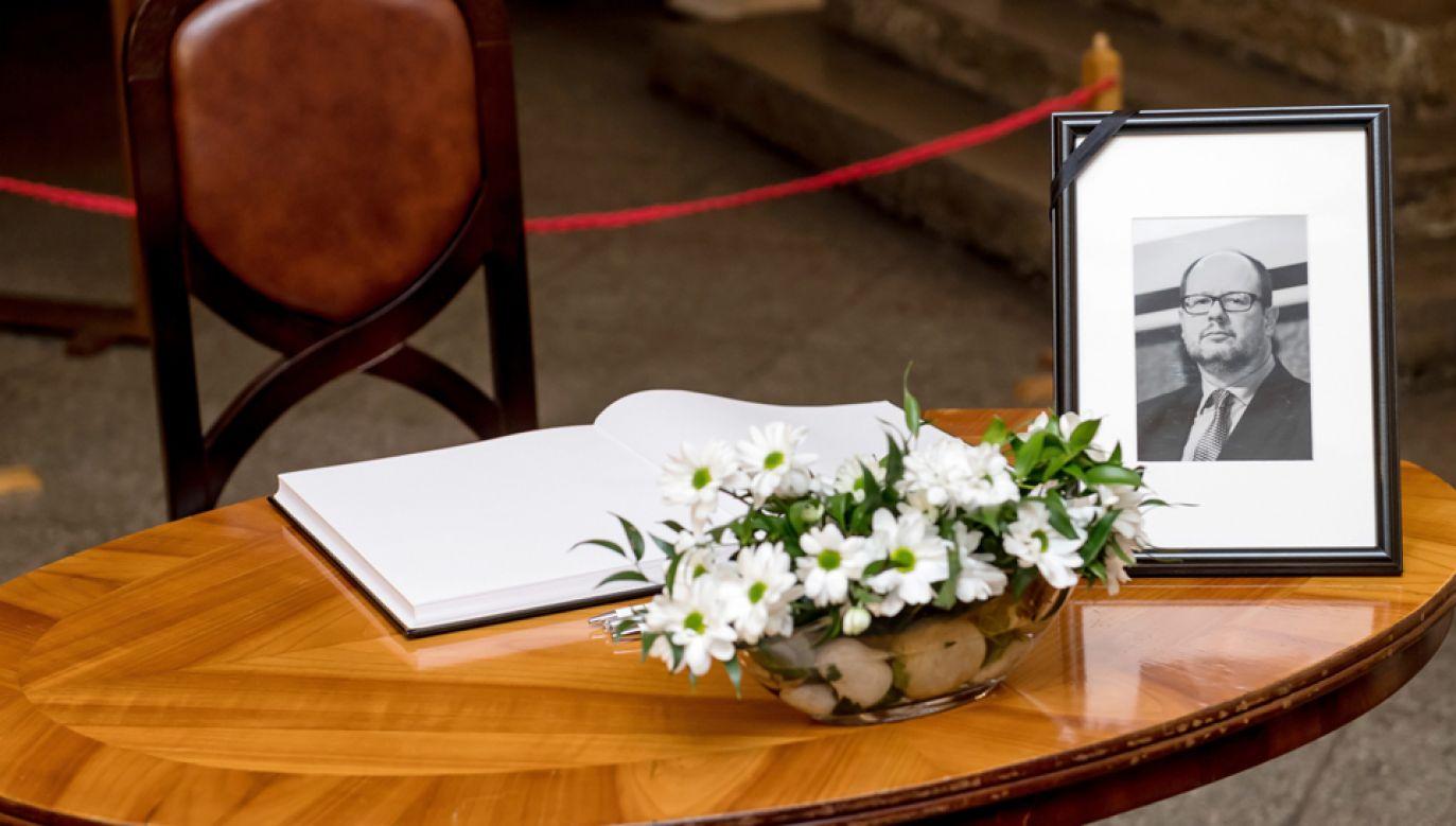 Prezydent Gdańska zmarł w szpitalu w poniedziałek po południu (fot. PAP/Maciej Kulczyński)