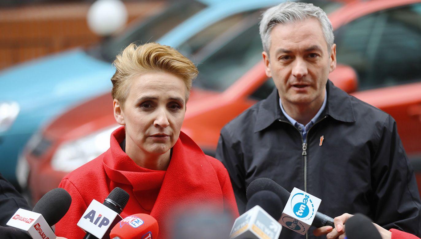 Robert Biedroń przedstawił Joannę Scheuring-Wielgus jako kandydatkę partii w wyborach do PE (fot. PAP/Rafał Guz)
