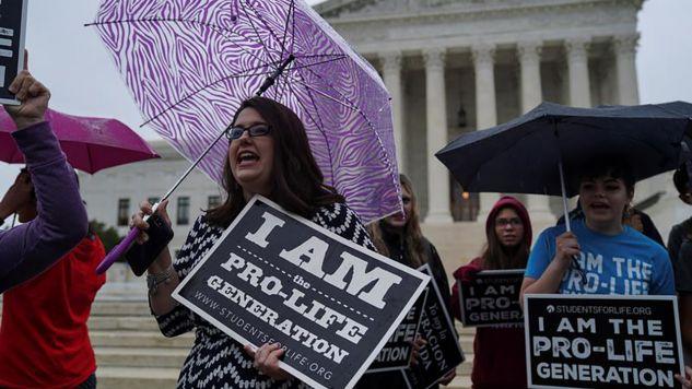 Protest obrońców życia pod Sądem Najwyższym Stanów Zjednoczonych (fot. REUTERS/Toya Sarno Jordan)