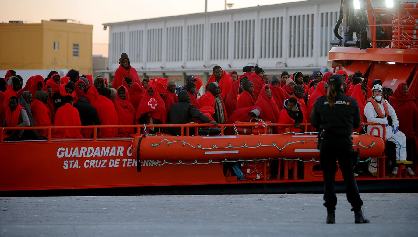 Umowa między Madrytem a Rabatem ma ograniczyć masowy napływ ludności afrykańskiej do Europy (fot. REUTERS/Jon Nazca)