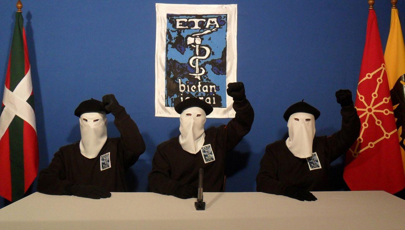 Separatystyczna organizacja terrorystyczna ETA zapowiedziała, że 5 maja ostatecznie zakończy działalność (fot. Gara via Getty Images)