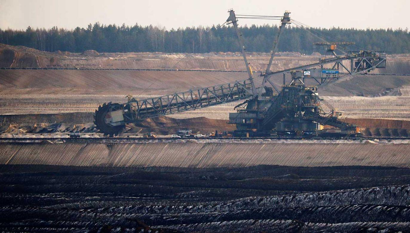 Kopalnia odkrywkowa węgla brunatnego Welzow-Sued w Niemczech (fot. REUTERS/Hannibal Hanschke)