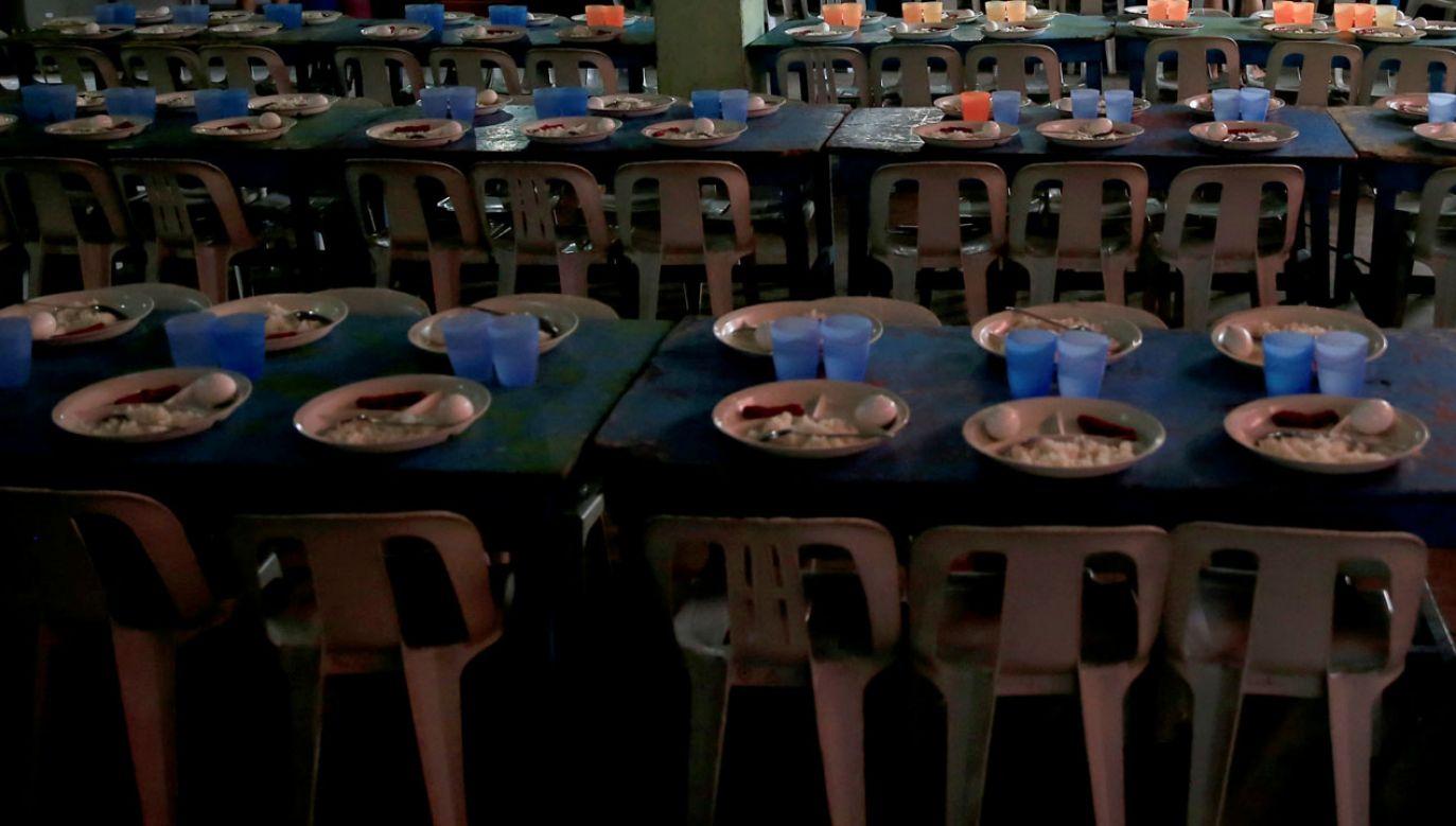 Misjonarze otrzymują wsparcie finansowe na walkę z głodem i niedożywieniem oraz chorobami (fot. REUTERS/Romeo Ranoco)