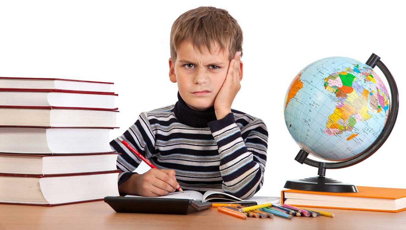 Politycy w TVP Info byli zgodni, że podwyżki nauczycielom się należą (fot. Shutterstock/S-F)