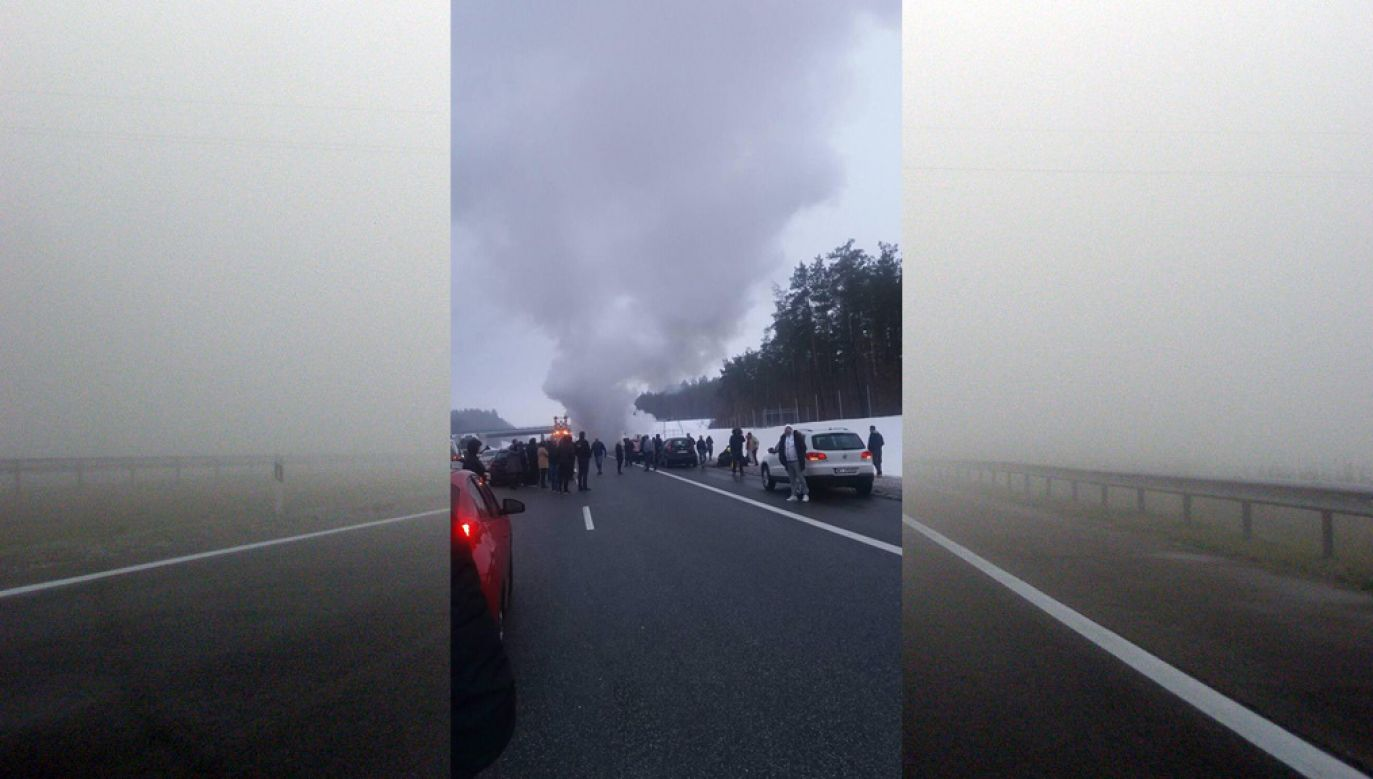 Na autostradzie A1 na mercedesa najechał citroen (fot. Facebook/Krystyna Redzik)