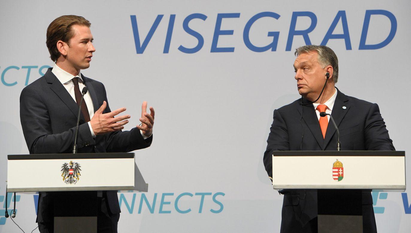 Viktor Orban oraz Sebastian Kurz podczas konferencji prasowej po szczycie szefów rządów państw Grupy Wyszehradzkiej i kanclerza Austrii w Budapeszcie (fot. PAP/Radek Pietruszka)