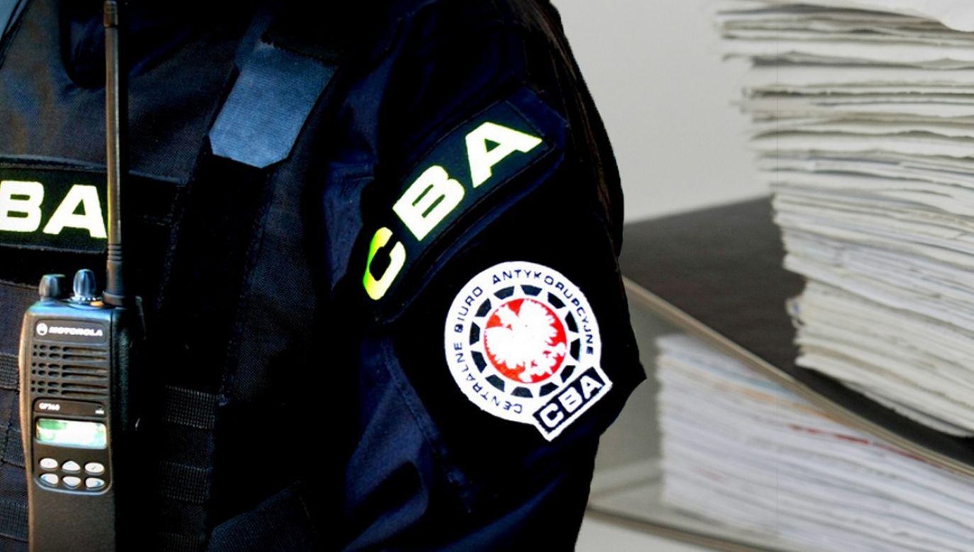 Tzw. słupy miały uczestniczyć w handlu panelami fotowoltaicznymi (fot. CBA)