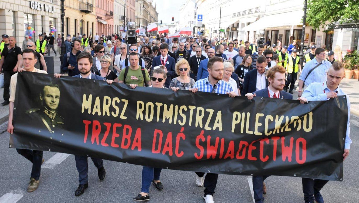 Warszawski Marsz Pileckiego w 71. rocznicę śmierci rotmistrza (fot.  PAP/Radek Pietruszka)