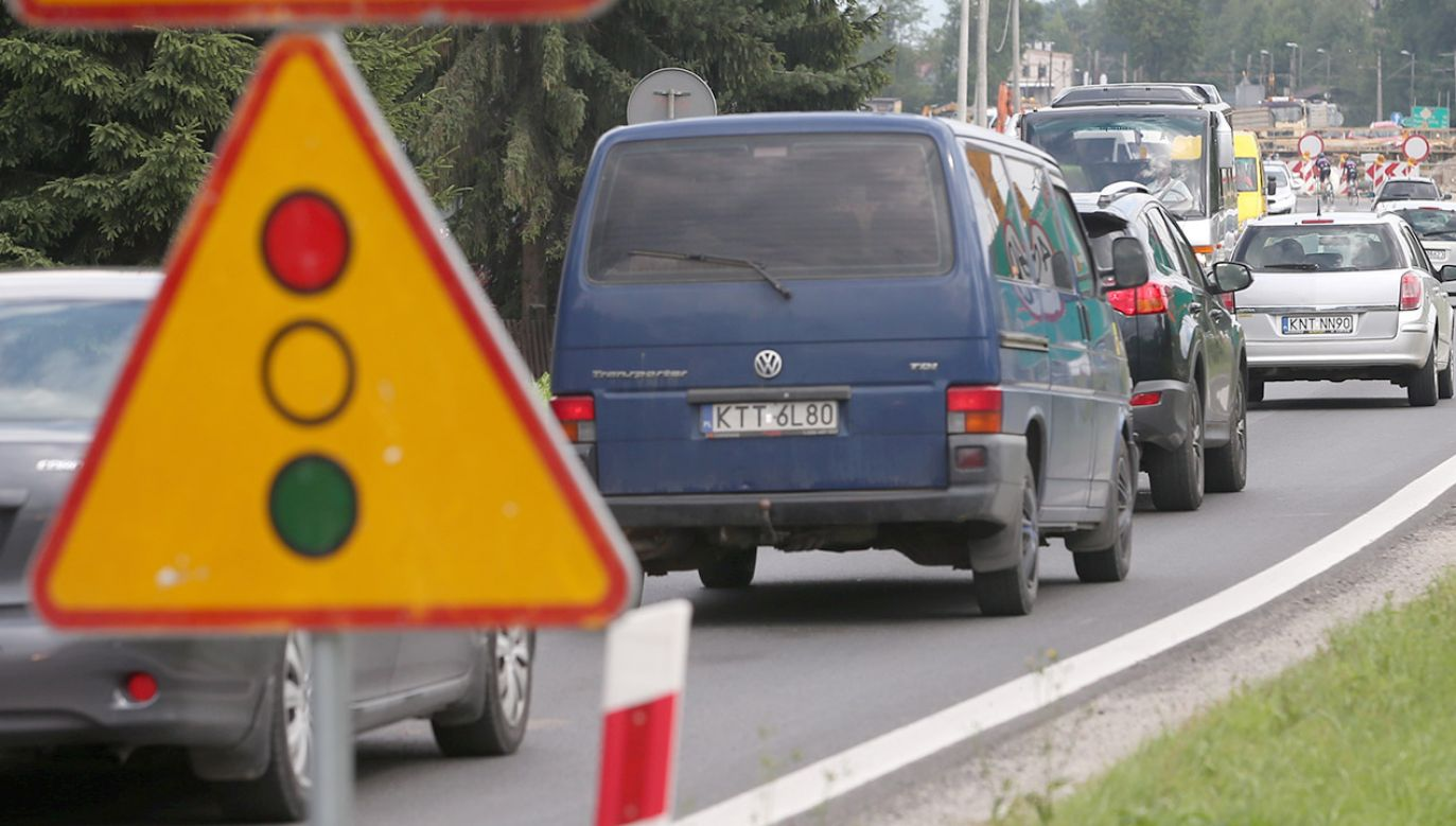 Zła widoczność była przyczyną zderzenia dwóch samochodów ciężarowych (fot. arch.PAP/Grzegorz Momot, zdjęcie ilustracyjne)