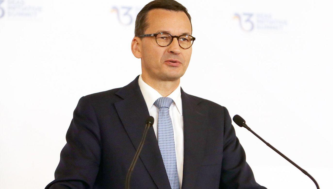 Platforma zarzuca premierowi, że kłamał ws. dróg i inwestycji za czasów PO-PSL (fot. PAP/EPA/BOGDAN CRISTEL)