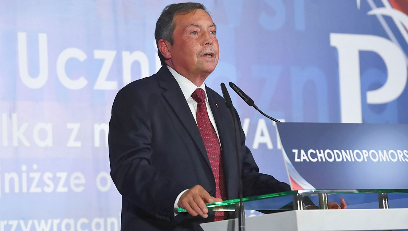 Bartłomiej Sochański pozwał działaczy PO. Rozważa pozwanie Gazety Wyborczej (fot. arch.PAP/Marcin Bielecki)