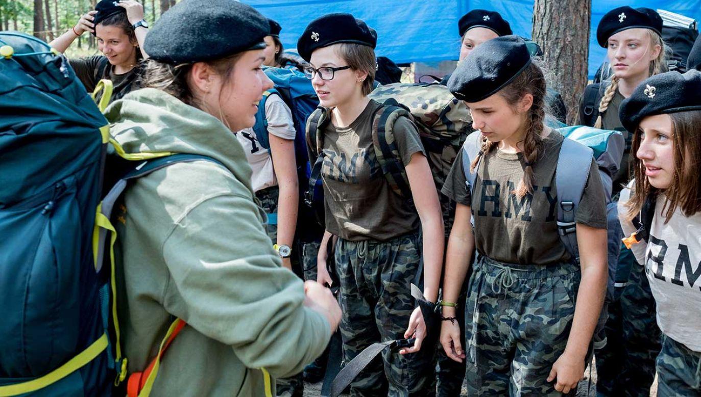 Dokument zawiera zasady i procedury postępowania służb w związku z organizowaniem obozów harcerskich (fot. arch. PAP/Andrzej Grygiel)