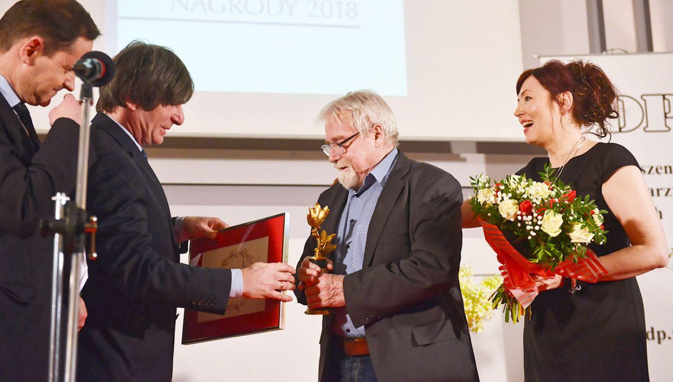 Laur Stowarzyszenia Dziennikarzy Polskich za rok 2018 przyznano Jerzemu Jachowiczowi (fot. PAP/Jakub Kamiński)