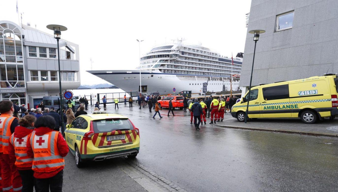 Prom sam zawinął  do portu (fot. PAP/EPA/SVEIN OVE EKORNESVAG)
