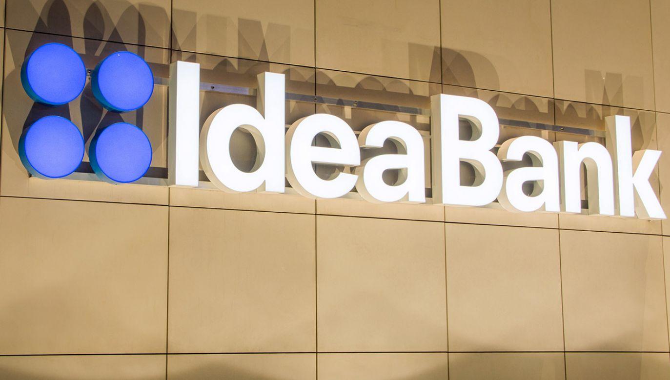 """Komunikat rzecznika informuje o wpisaniu na listę """"Idea Bank SA z siedzibą w Warszawie"""" (fot. Shutterstock/Robson90)"""