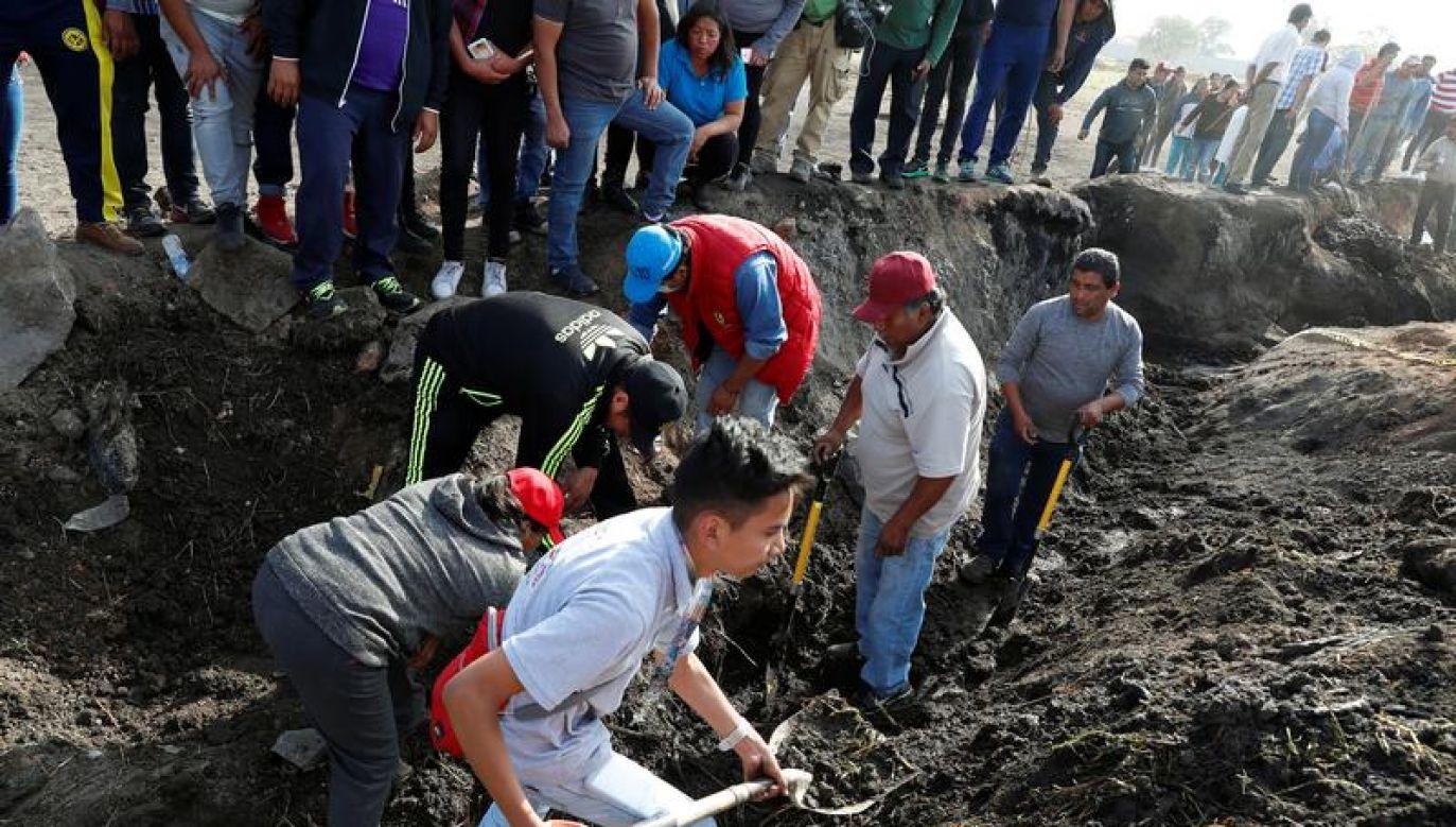 Nadal trwają poszukiwania żywych ludzi (fot. REUTERS/Henry Romero)