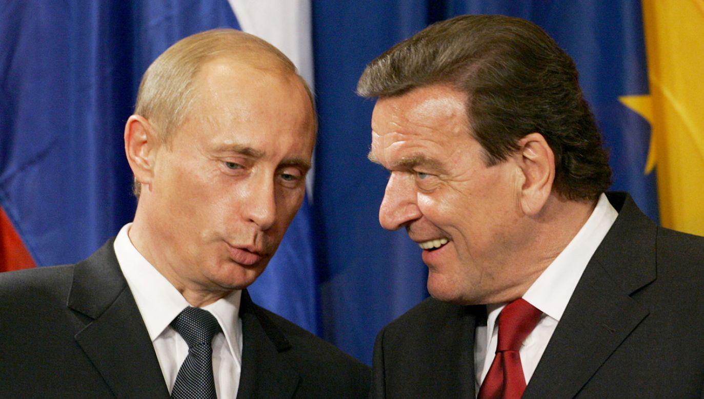Schroeder uchodzi za przyjaciela prezydenta Rosji Władimira Putina (fot. REUTERS/Arnd Wiegmann AKW/CVI)