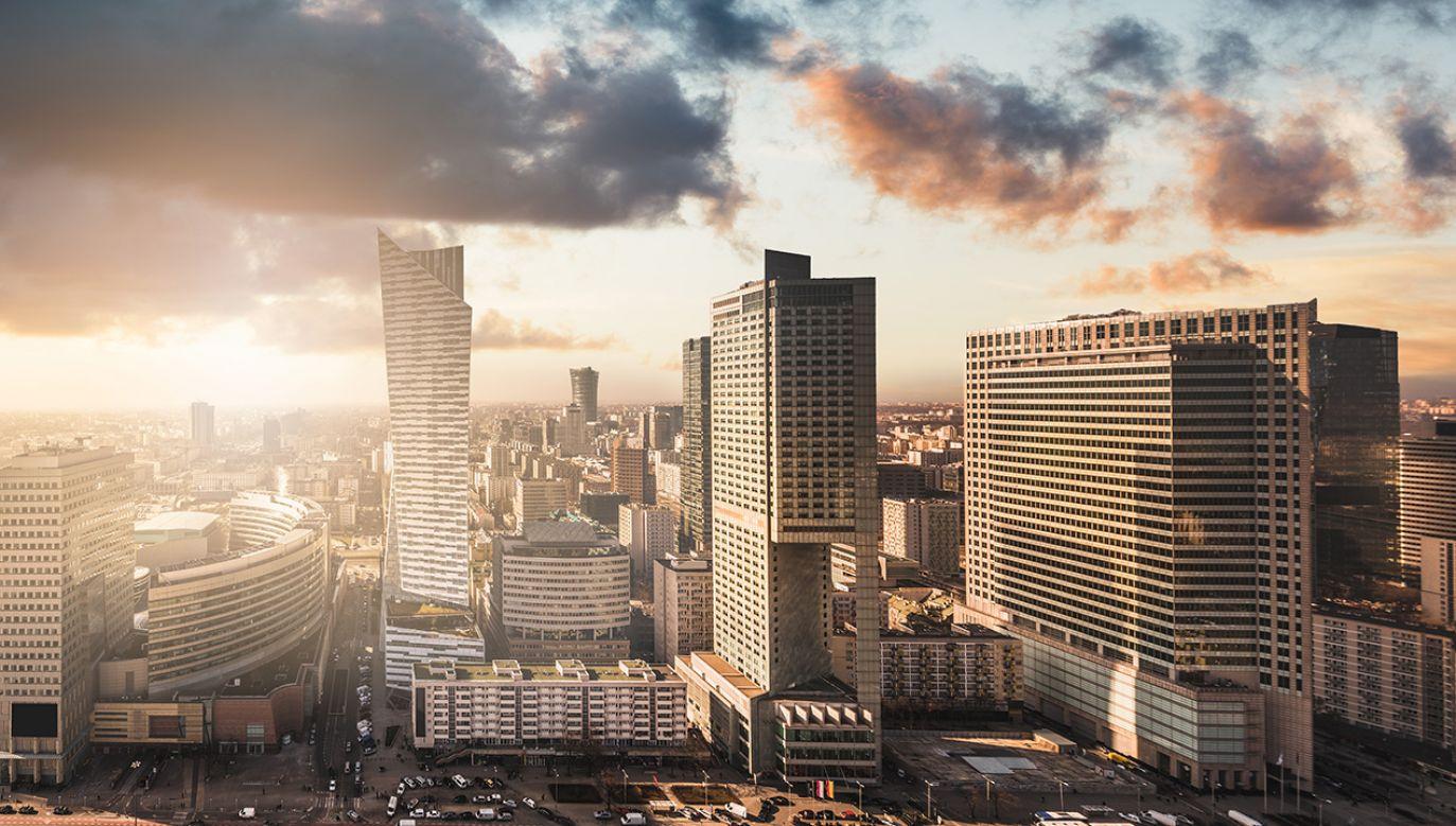 Agencja S&P Global Ratings podwyższyła szacunek dynamiki PKB Polski na 2018 r. do 4,7 proc. (fot. Shutterstock/Jaroslaw Pawlak)