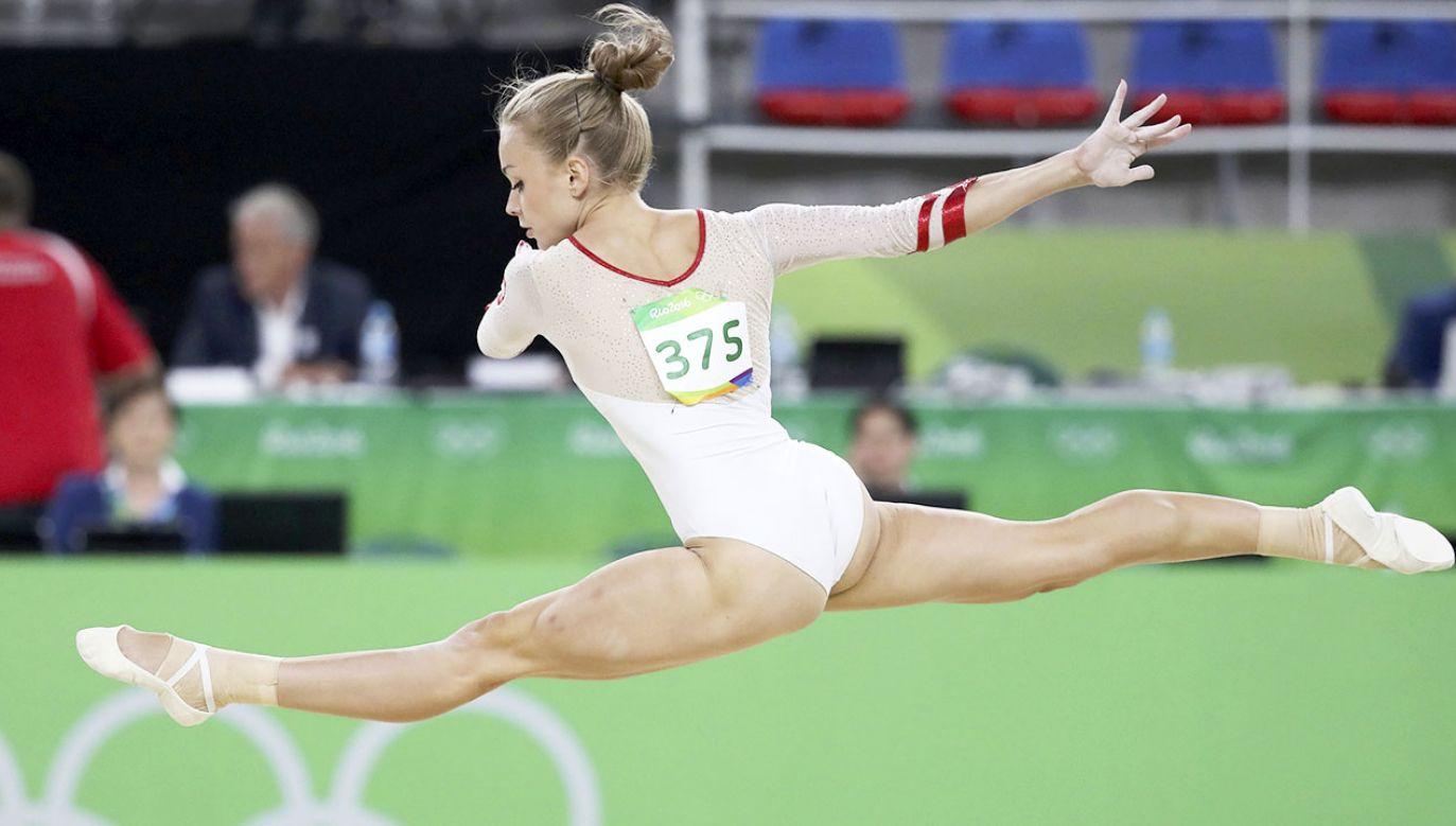 Katarzyna Jurkowska-Kowalska po raz pierwszy spróbowała wykonać ten zeskok w 2016 r. podczas mistrzostw Europy, a potem na igrzyskach olimpijskich w Rio de Janeiro (fot. REUTERS/Damir Sagolj, zdjęcie ilustracyjne)