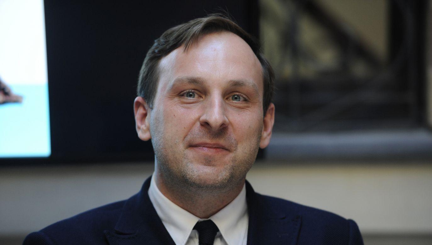 Jarosław Trybuś usunął grafikę i przeprosił (fot. PAP/Andrzej Rybczyński)