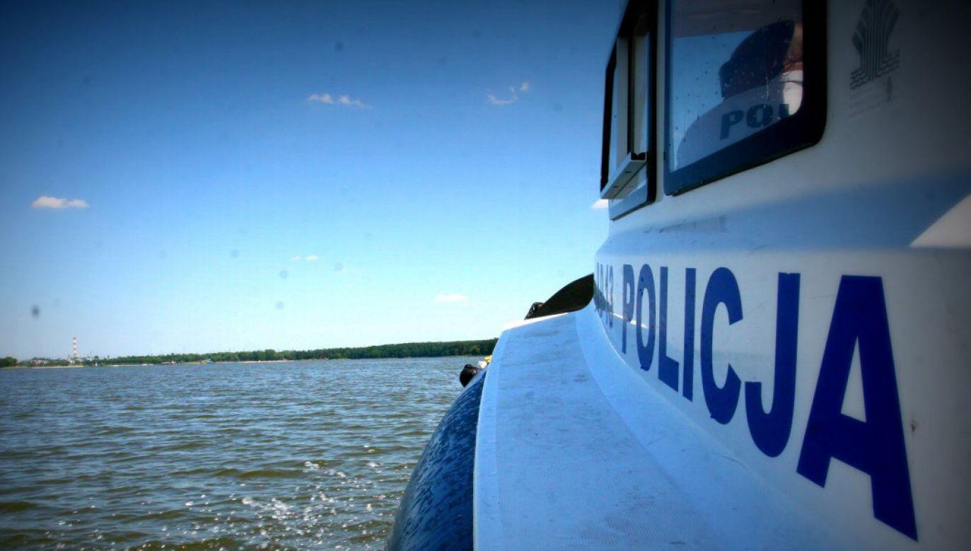 Ciało zaginionego 36-letniego mężczyzny wyłowiono z jez. Domowe Małe (fot. twitter.com/@PolicjaLubelska)