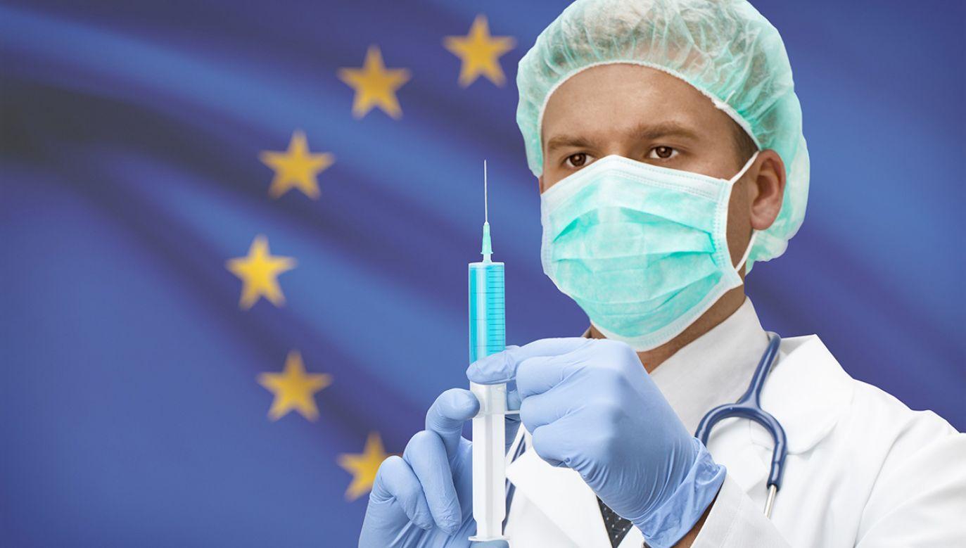 Według WHO w najbliższym dziesięcioleciu szczepionki uratują życie 25 mln osób (fot. Shutterstock/Niyazz)