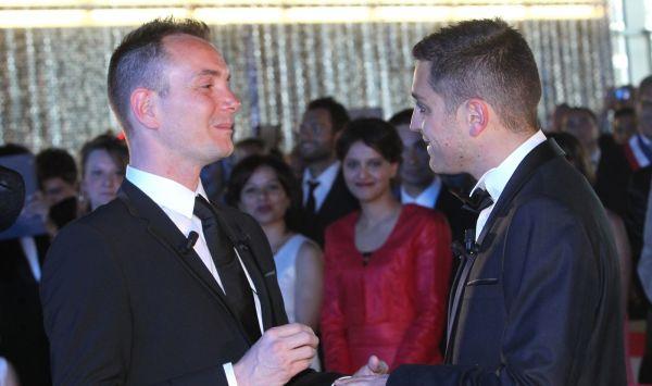 Francja Pierwszy ślub Gejów Tvpinfo