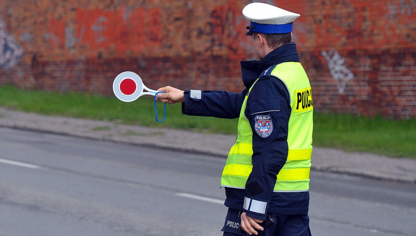 Głównym celem akcji jest poprawa bezpieczeństwa na drogach i zmniejszenie do zera liczby wypadków ze skutkiem śmiertelnym (fot. arch. PAP/Marcin Bielecki)